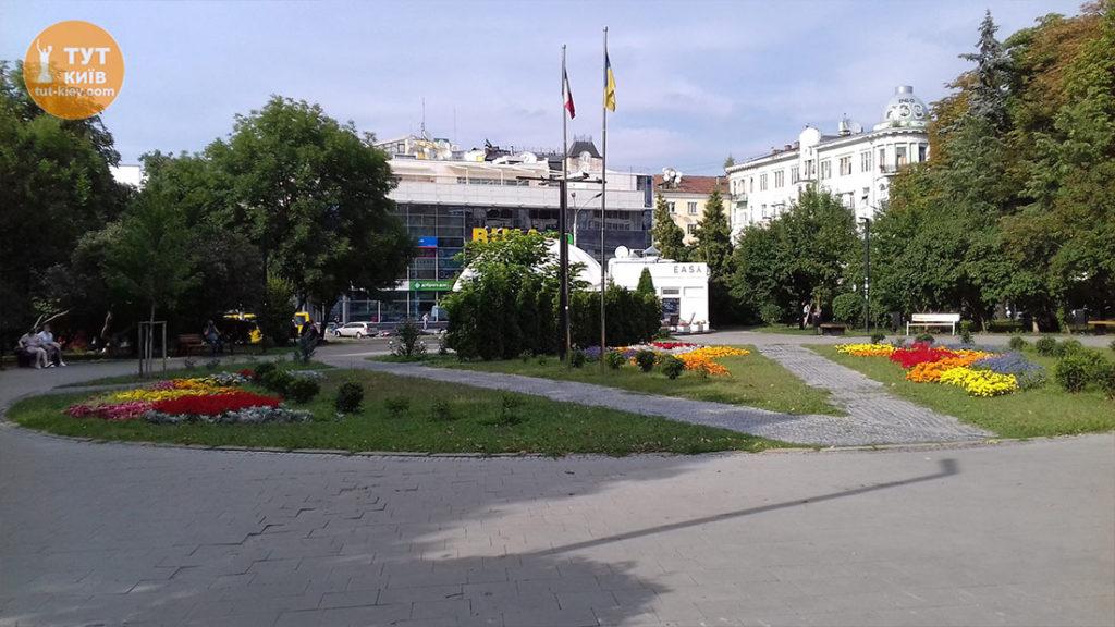 Львовская Площадь
