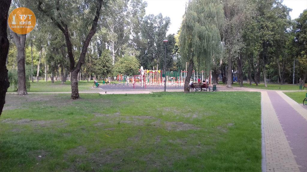 дитячий майданчик парк Веселка