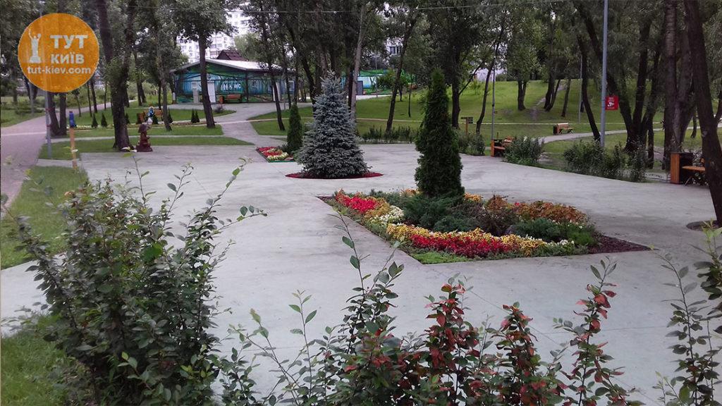 галявина парк Троєщина