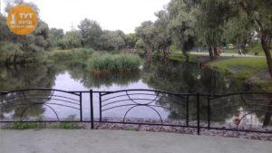 озеро в парку Троєщина
