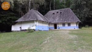 біло блакитні хати