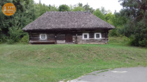 деревяні хати